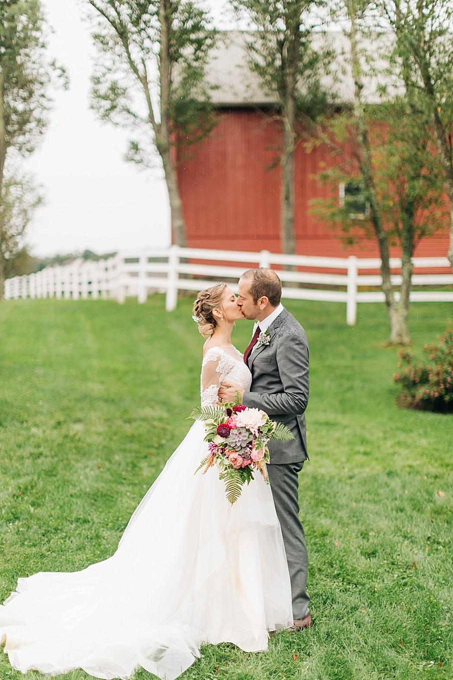 senecaryanco-pennsylvania-wedding-photographer-scranton-friedmanfarms_0072.jpg