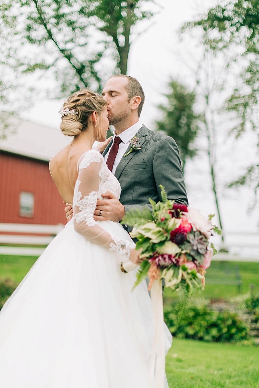 senecaryanco-pennsylvania-wedding-photographer-scranton-friedmanfarms_0085.jpg