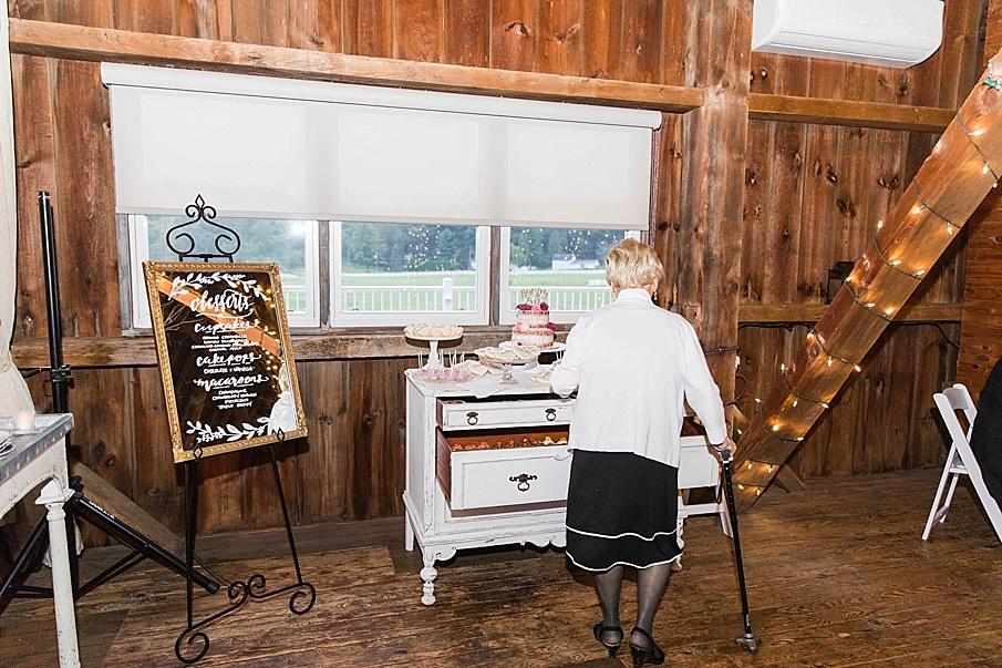 senecaryanco-pennsylvania-wedding-photographer-scranton-friedmanfarms_0113.jpg