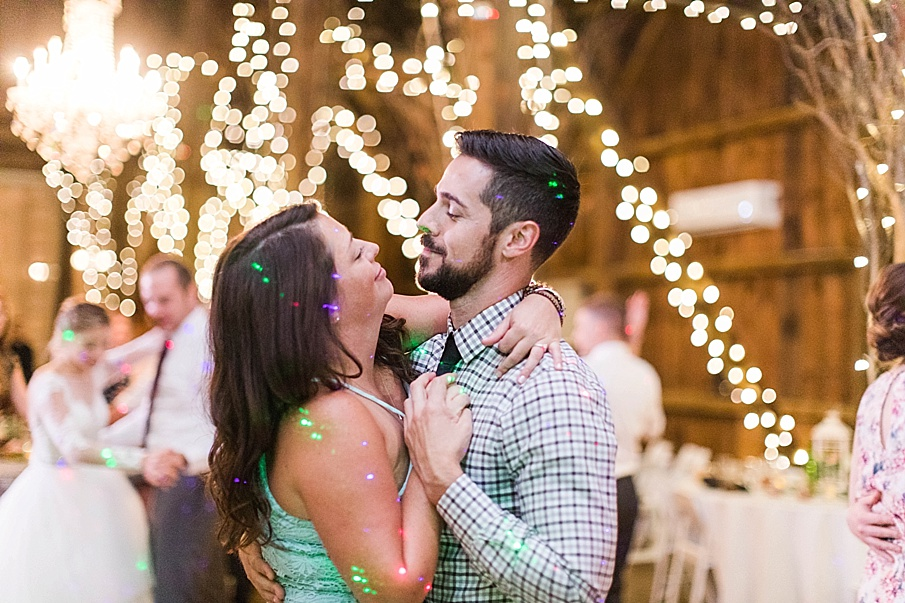 senecaryanco-pennsylvania-wedding-photographer-scranton-friedmanfarms_0149.jpg