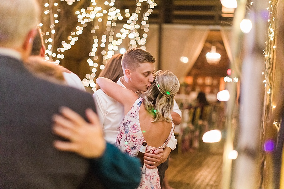 senecaryanco-pennsylvania-wedding-photographer-scranton-friedmanfarms_0151.jpg