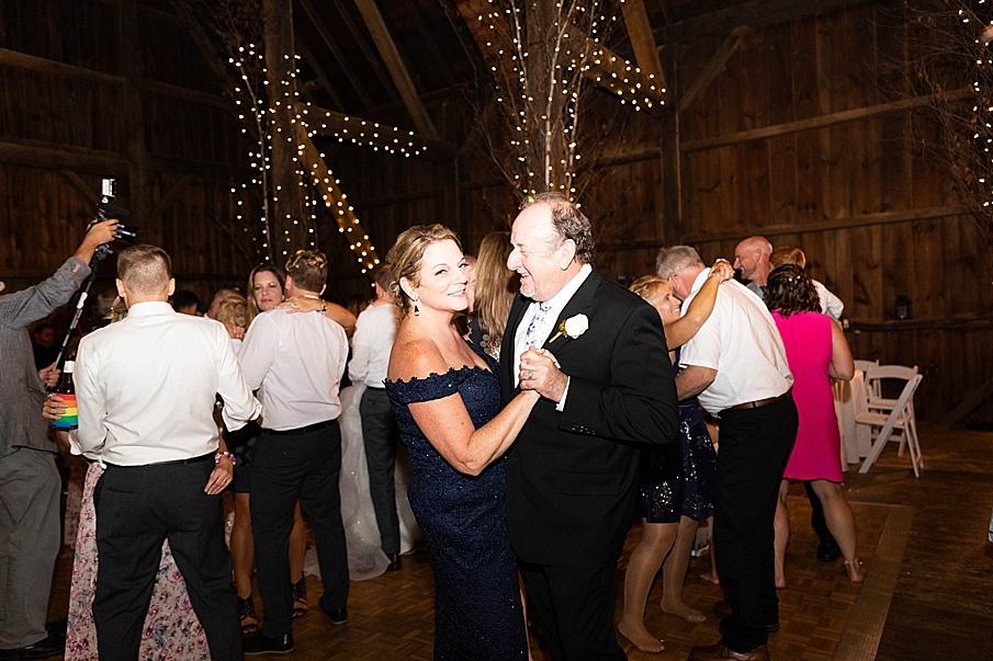 senecaryanco-pennsylvania-wedding-photographer-scranton-friedmanfarms_0171.jpg