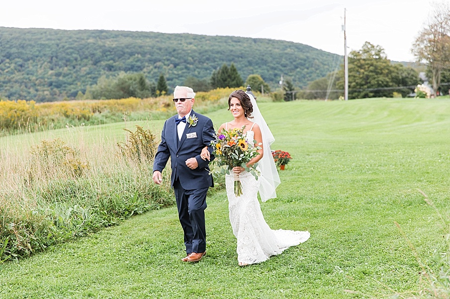 senecaryanco-pennsylvania-wedding-photographer-scranton-farmatcottrelllake_0017.jpg