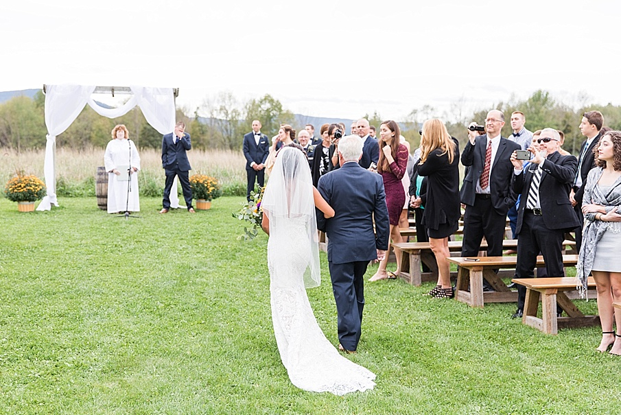 senecaryanco-pennsylvania-wedding-photographer-scranton-farmatcottrelllake_0018.jpg