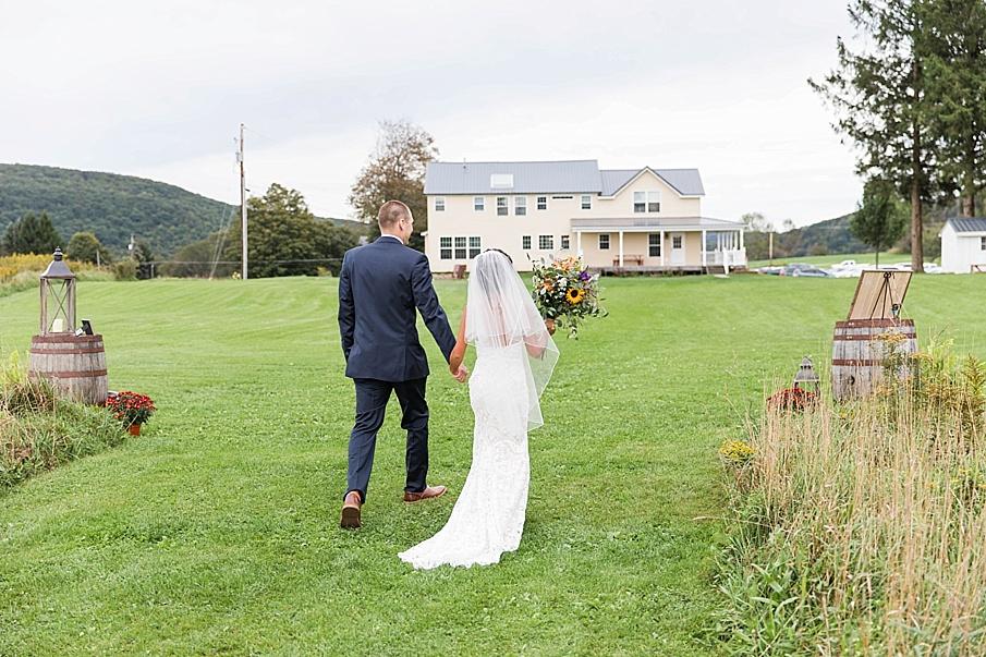 senecaryanco-pennsylvania-wedding-photographer-scranton-farmatcottrelllake_0026.jpg