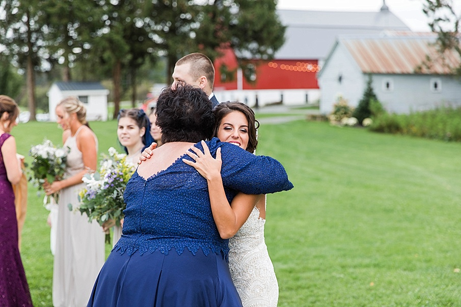 senecaryanco-pennsylvania-wedding-photographer-scranton-farmatcottrelllake_0028.jpg