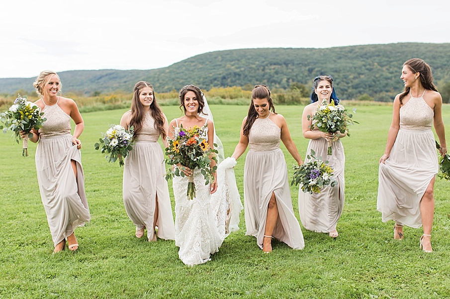 senecaryanco-pennsylvania-wedding-photographer-scranton-farmatcottrelllake_0039.jpg
