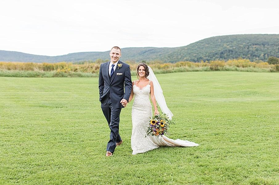 senecaryanco-pennsylvania-wedding-photographer-scranton-farmatcottrelllake_0047.jpg