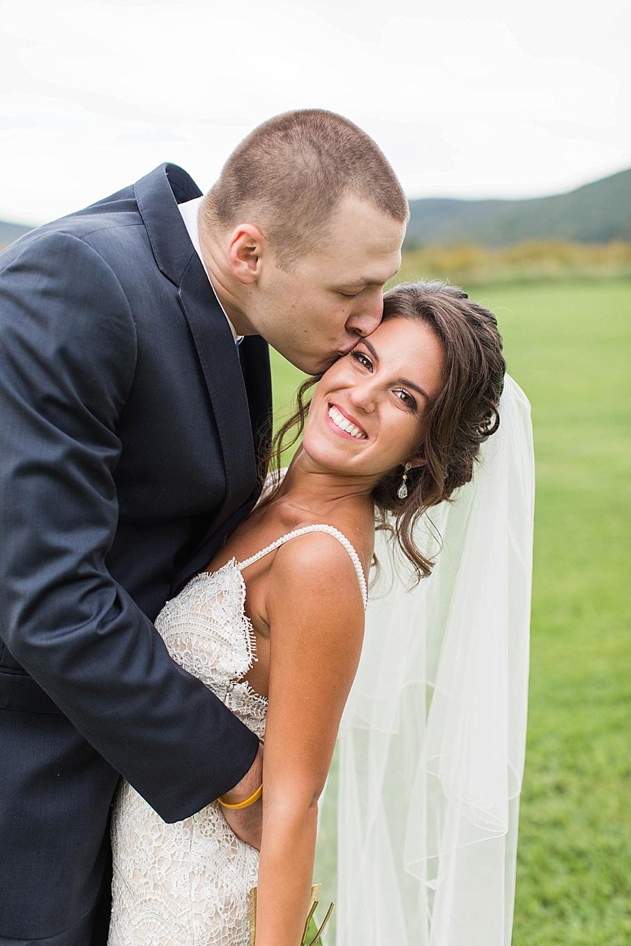 senecaryanco-pennsylvania-wedding-photographer-scranton-farmatcottrelllake_0046.jpg