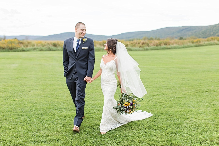 senecaryanco-pennsylvania-wedding-photographer-scranton-farmatcottrelllake_0048.jpg