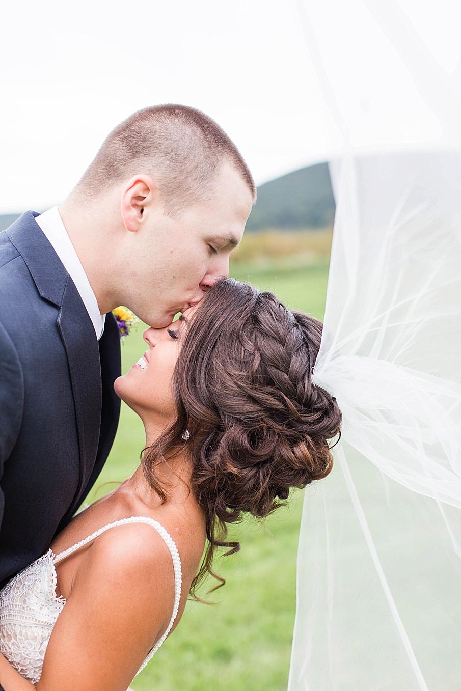 senecaryanco-pennsylvania-wedding-photographer-scranton-farmatcottrelllake_0051.jpg