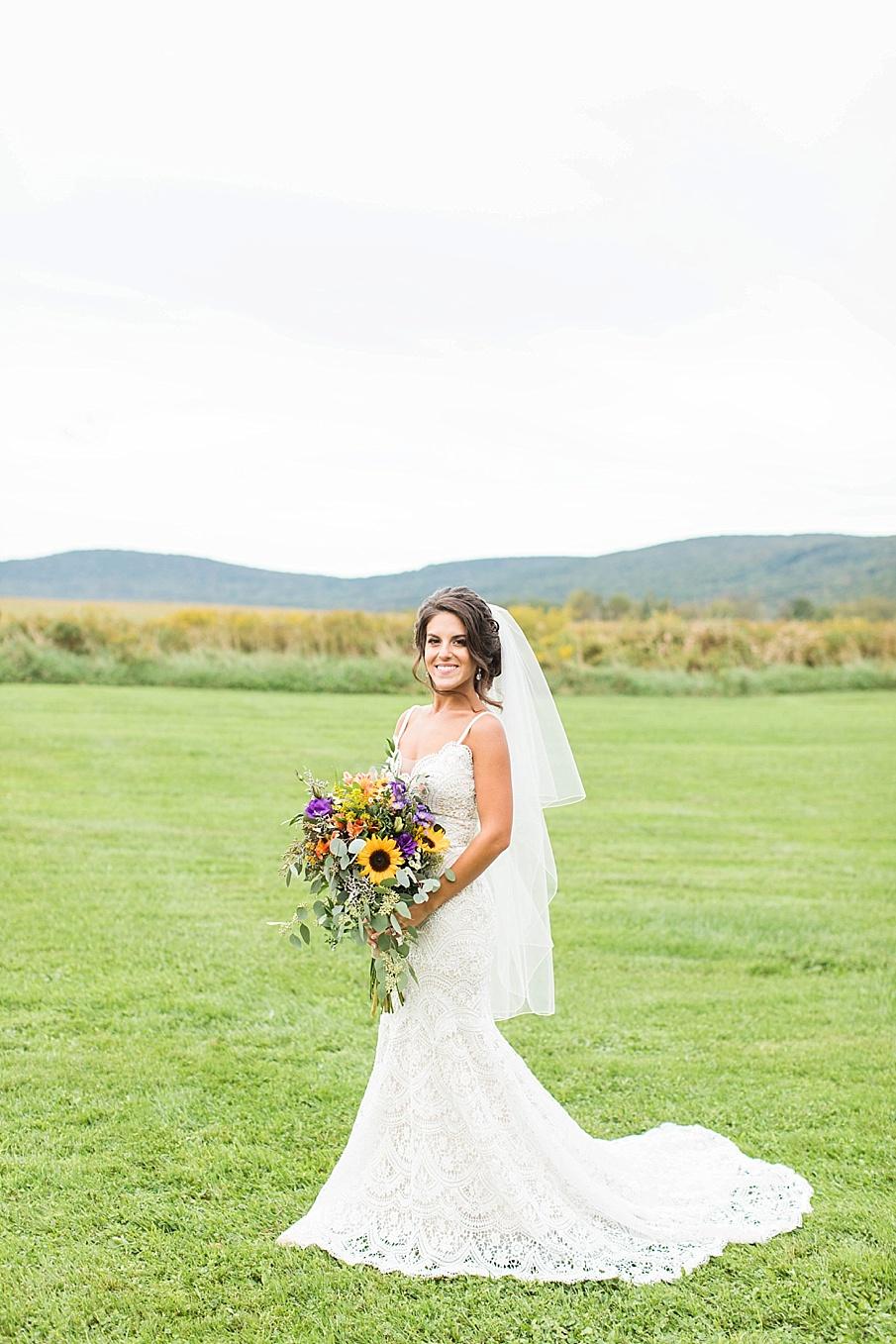 senecaryanco-pennsylvania-wedding-photographer-scranton-farmatcottrelllake_0053.jpg