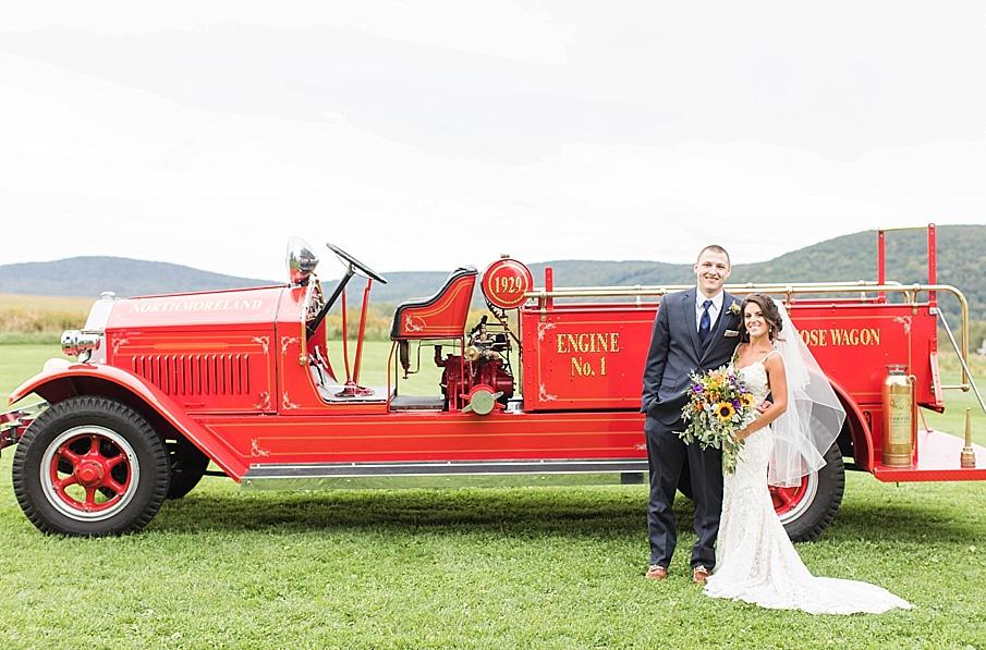 senecaryanco-pennsylvania-wedding-photographer-scranton-farmatcottrelllake_0056.jpg