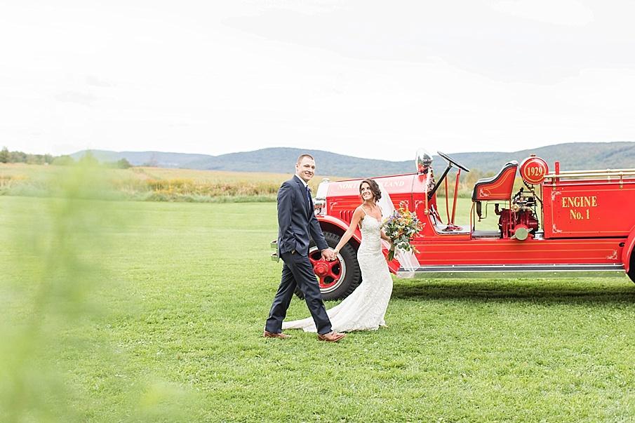 senecaryanco-pennsylvania-wedding-photographer-scranton-farmatcottrelllake_0057.jpg