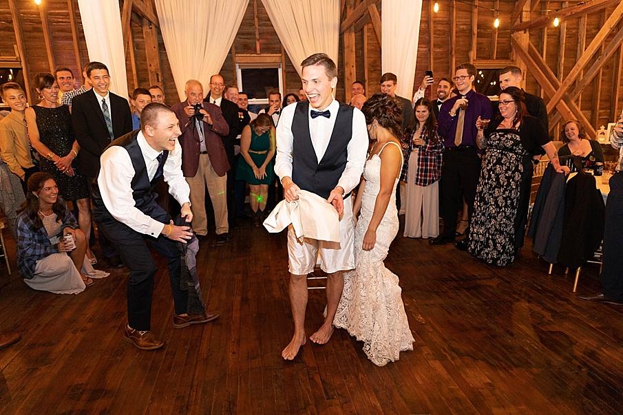 senecaryanco-pennsylvania-wedding-photographer-scranton-farmatcottrelllake_0088.jpg