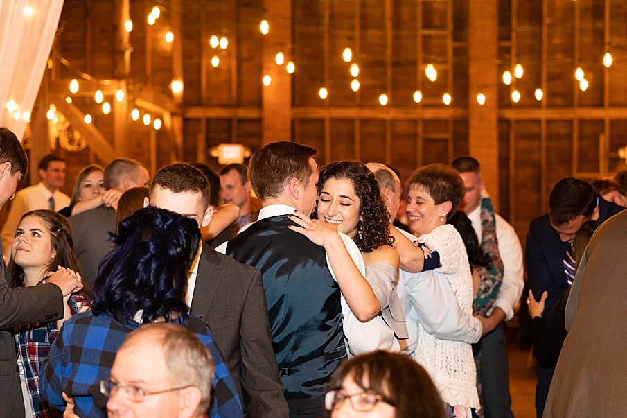 senecaryanco-pennsylvania-wedding-photographer-scranton-farmatcottrelllake_0092.jpg