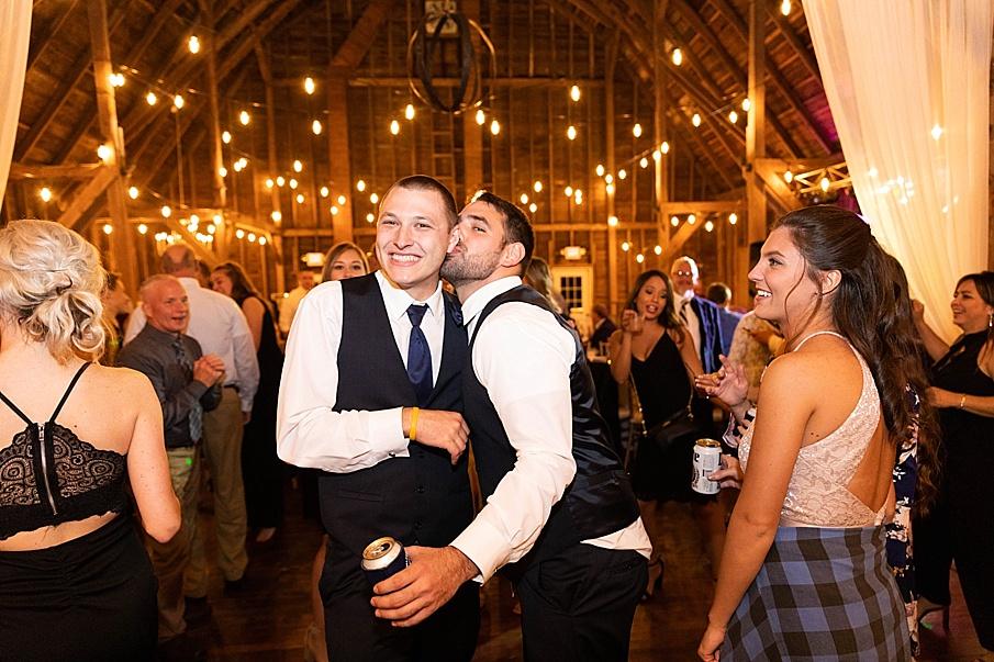 senecaryanco-pennsylvania-wedding-photographer-scranton-farmatcottrelllake_0100.jpg