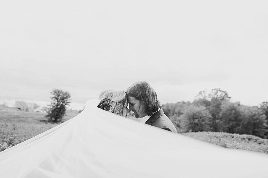 senecaryanco-pennsylvania-wedding-photographer-scranton-farmatcottrelllake_0140.jpg