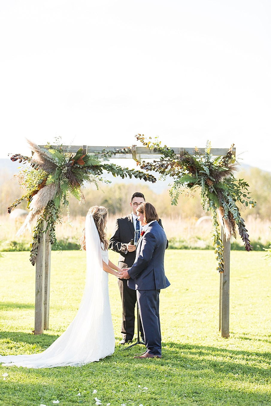 senecaryanco-pennsylvania-wedding-photographer-scranton-farmatcottrelllake_0184.jpg