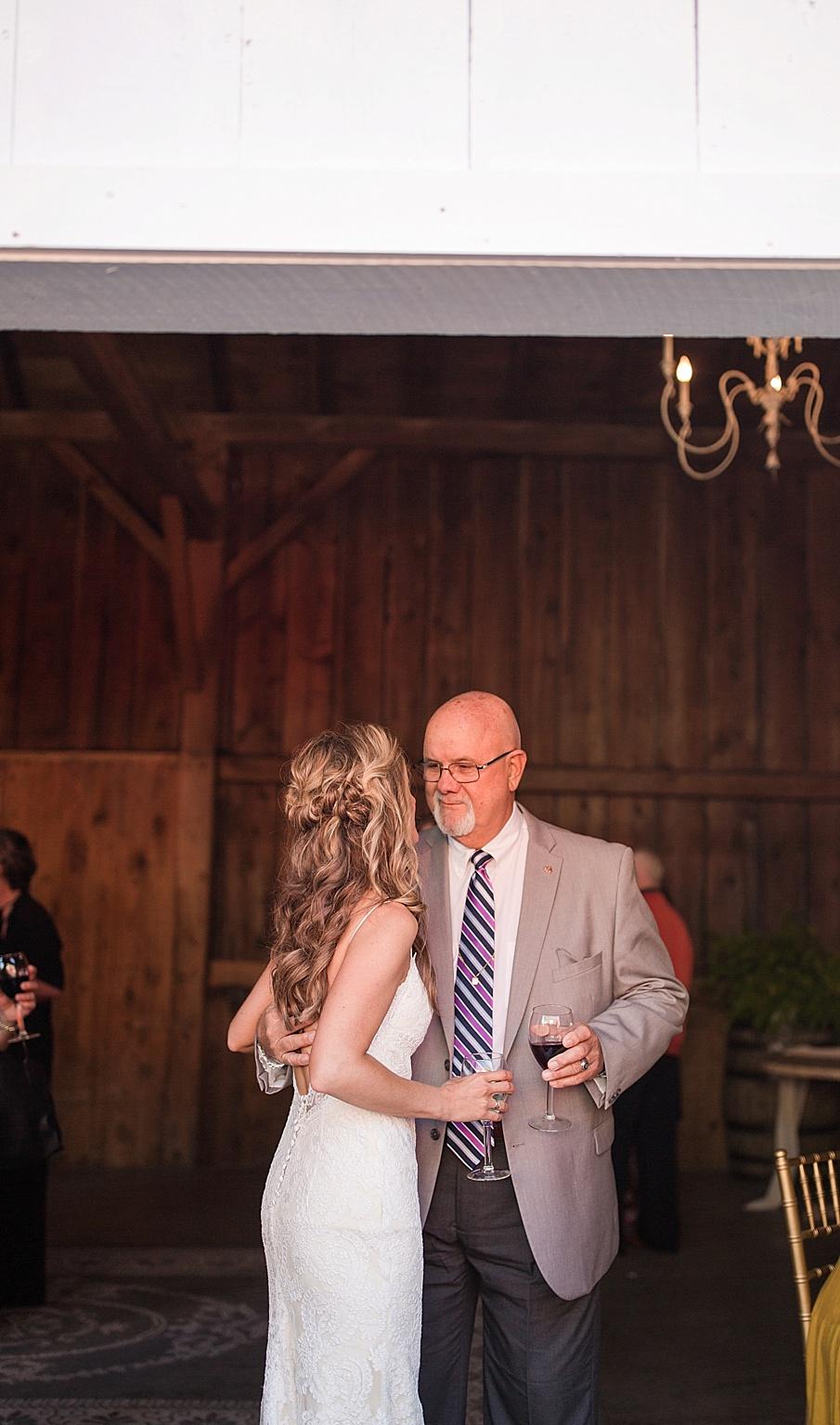 senecaryanco-pennsylvania-wedding-photographer-scranton-farmatcottrelllake_0201.jpg