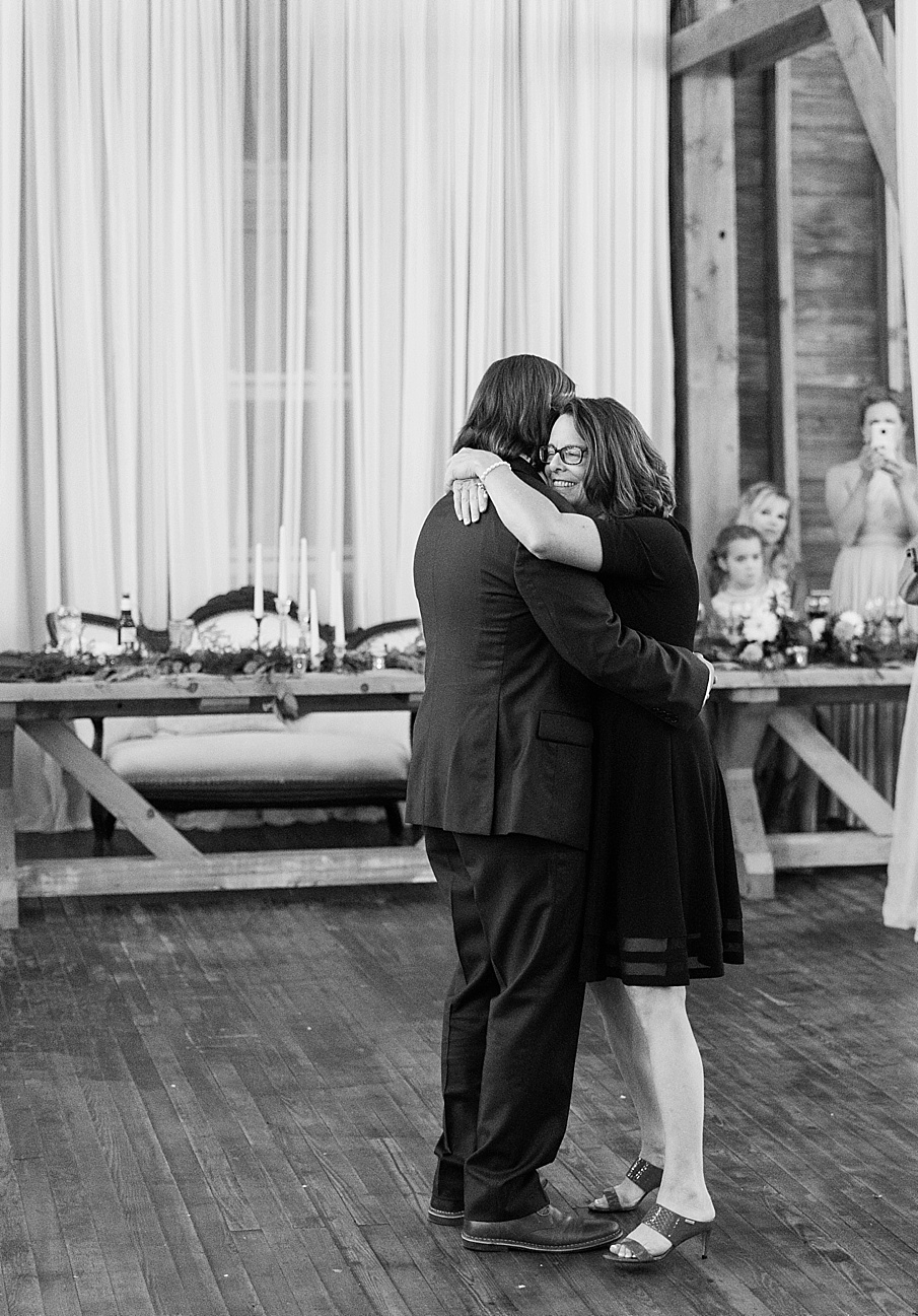 senecaryanco-pennsylvania-wedding-photographer-scranton-farmatcottrelllake_0241.jpg