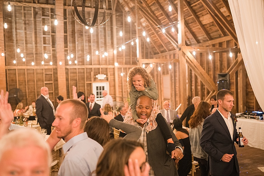 senecaryanco-pennsylvania-wedding-photographer-scranton-farmatcottrelllake_0253.jpg