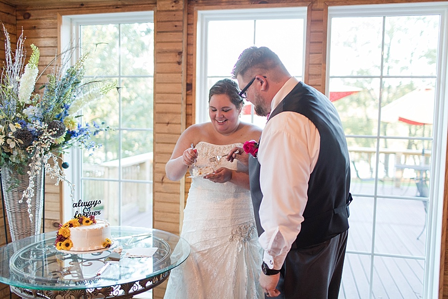 senecaryanco-pennsylvania-wedding-photographer-scranton-farmatcottrelllake_0380.jpg
