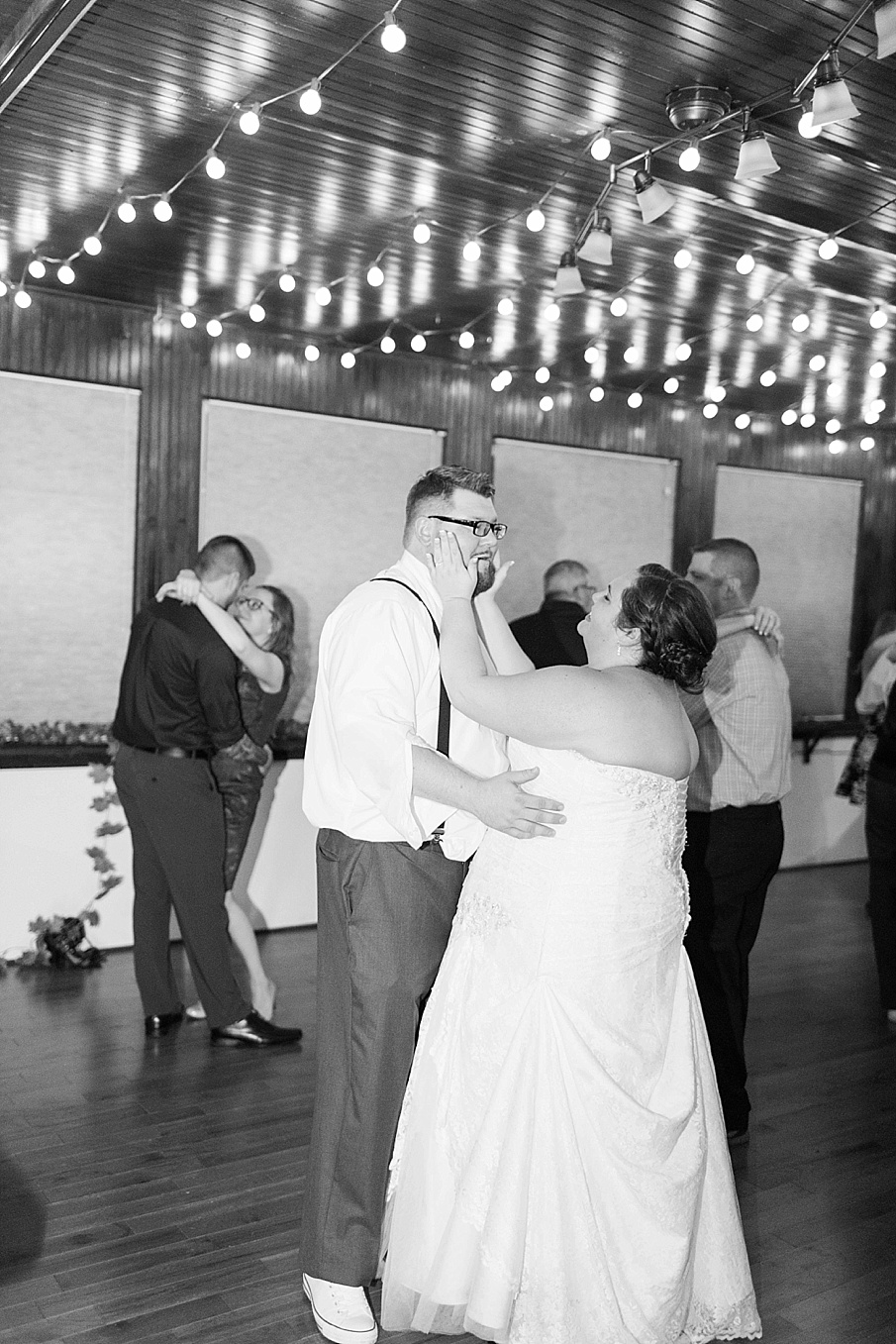 senecaryanco-pennsylvania-wedding-photographer-scranton-farmatcottrelllake_0404.jpg