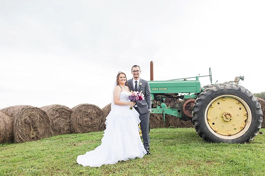 senecaryanco-pennsylvania-wedding-photographer-scranton-barnatglisteningpond_0015.jpg
