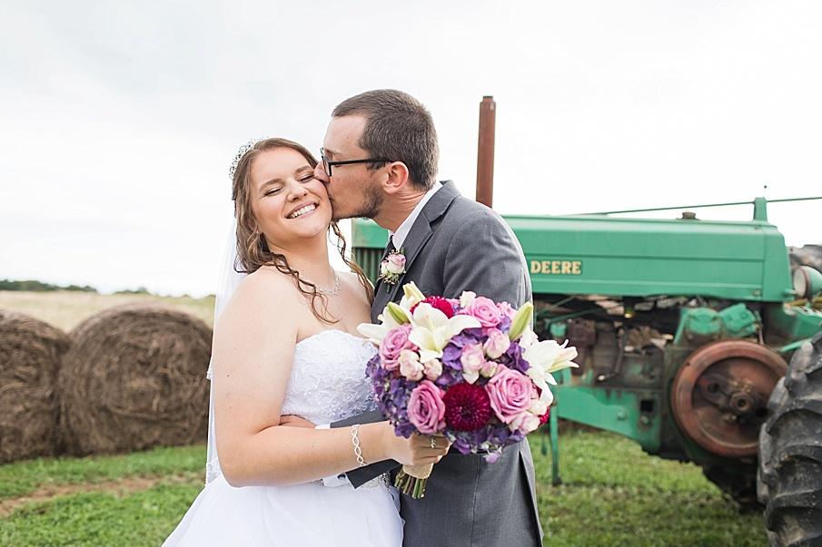 senecaryanco-pennsylvania-wedding-photographer-scranton-barnatglisteningpond_0017.jpg