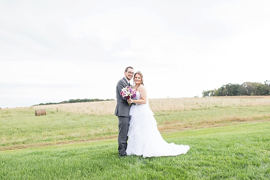 senecaryanco-pennsylvania-wedding-photographer-scranton-barnatglisteningpond_0019.jpg