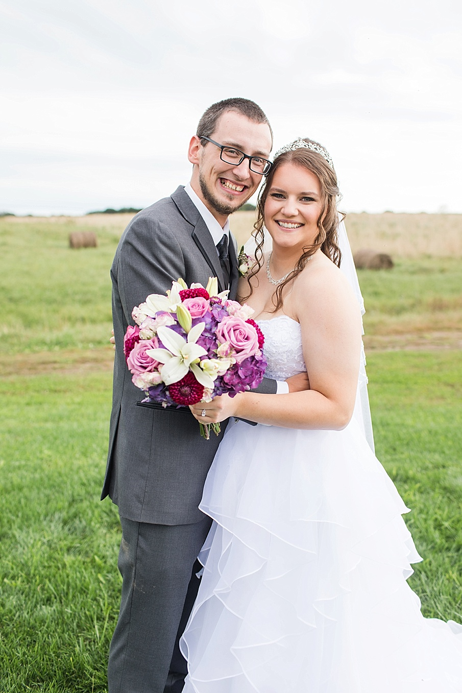 senecaryanco-pennsylvania-wedding-photographer-scranton-barnatglisteningpond_0020.jpg