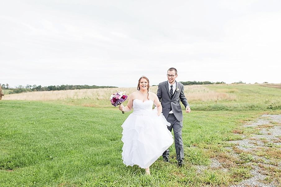 senecaryanco-pennsylvania-wedding-photographer-scranton-barnatglisteningpond_0024.jpg