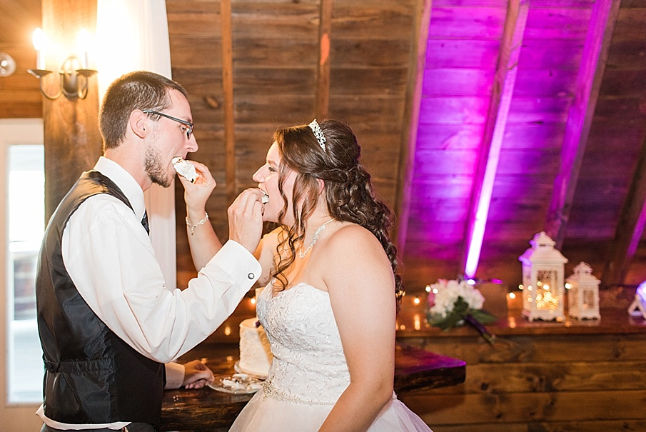 senecaryanco-pennsylvania-wedding-photographer-scranton-barnatglisteningpond_0033.jpg