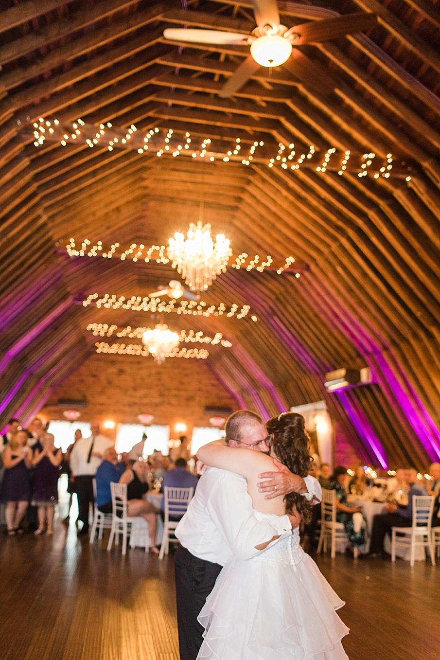 senecaryanco-pennsylvania-wedding-photographer-scranton-barnatglisteningpond_0034.jpg