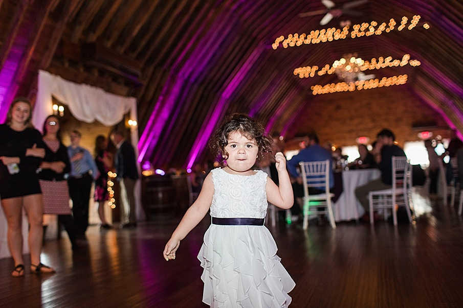 senecaryanco-pennsylvania-wedding-photographer-scranton-barnatglisteningpond_0041.jpg