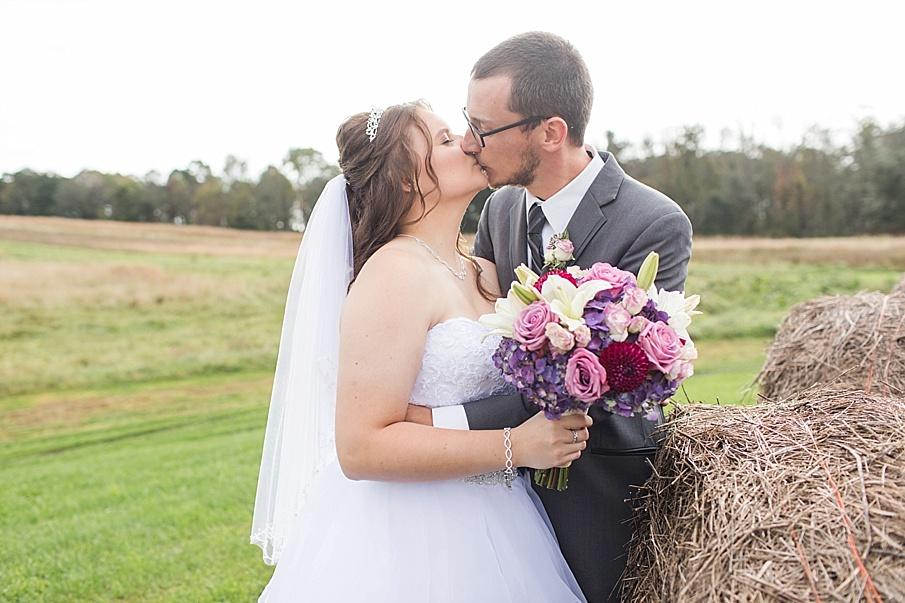 senecaryanco-pennsylvania-wedding-photographer-scranton-barnatglisteningpond_0044.jpg