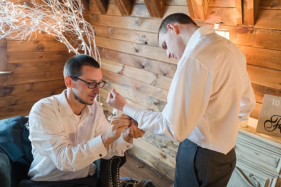 senecaryanco-pennsylvania-wedding-photographer-scranton-farmatcottrelllake_0411.jpg