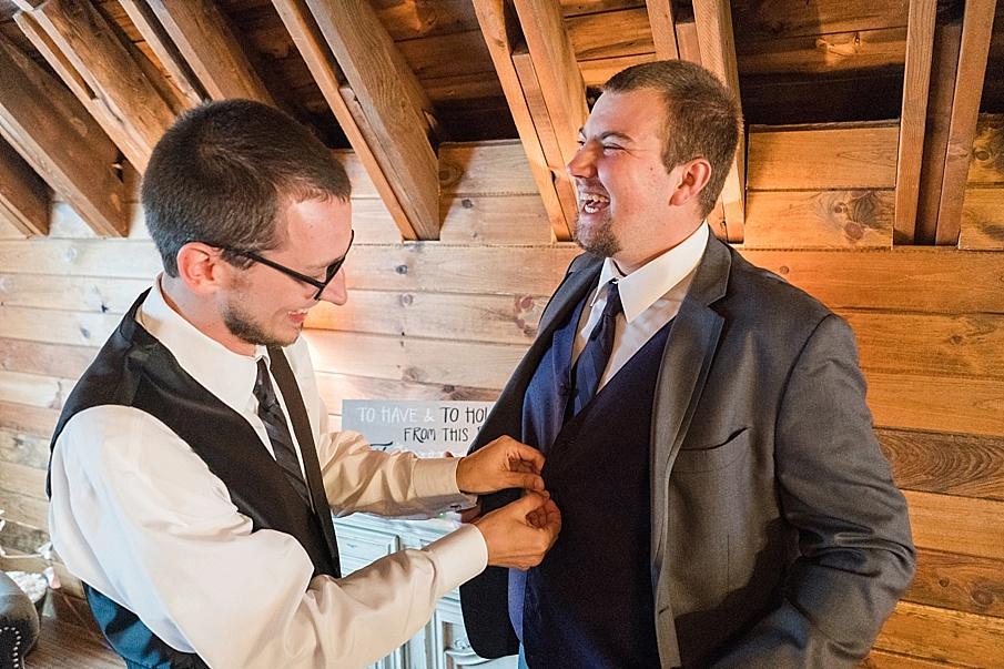 senecaryanco-pennsylvania-wedding-photographer-scranton-farmatcottrelllake_0414.jpg