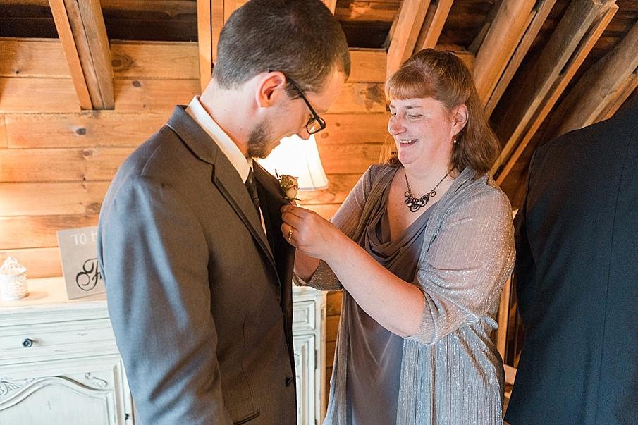 senecaryanco-pennsylvania-wedding-photographer-scranton-farmatcottrelllake_0416.jpg