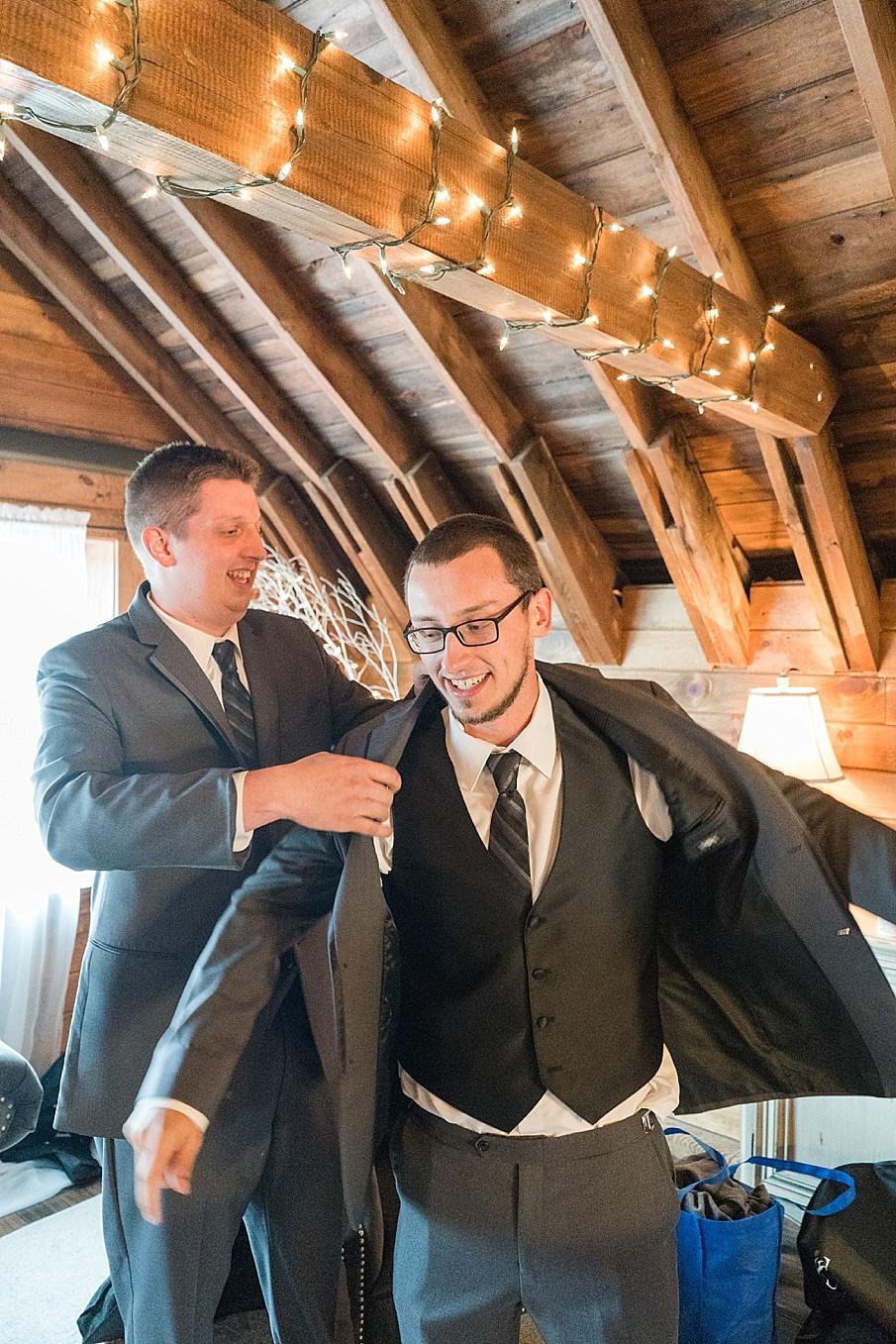 senecaryanco-pennsylvania-wedding-photographer-scranton-farmatcottrelllake_0415.jpg