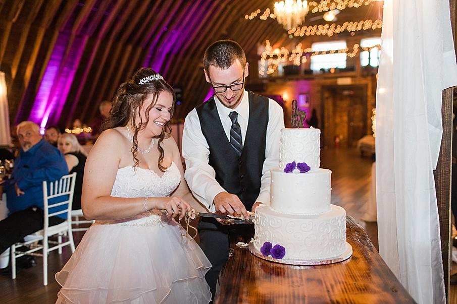 senecaryanco-pennsylvania-wedding-photographer-scranton-barnatglisteningpond_0047.jpg