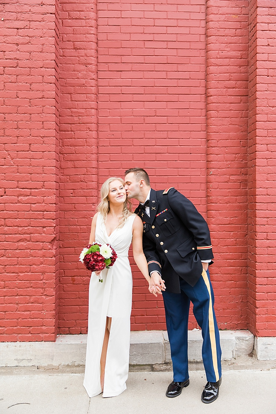 senecaryanco-pennsylvania-wedding-photographer-scranton-barnatglisteningpond_0098.jpg