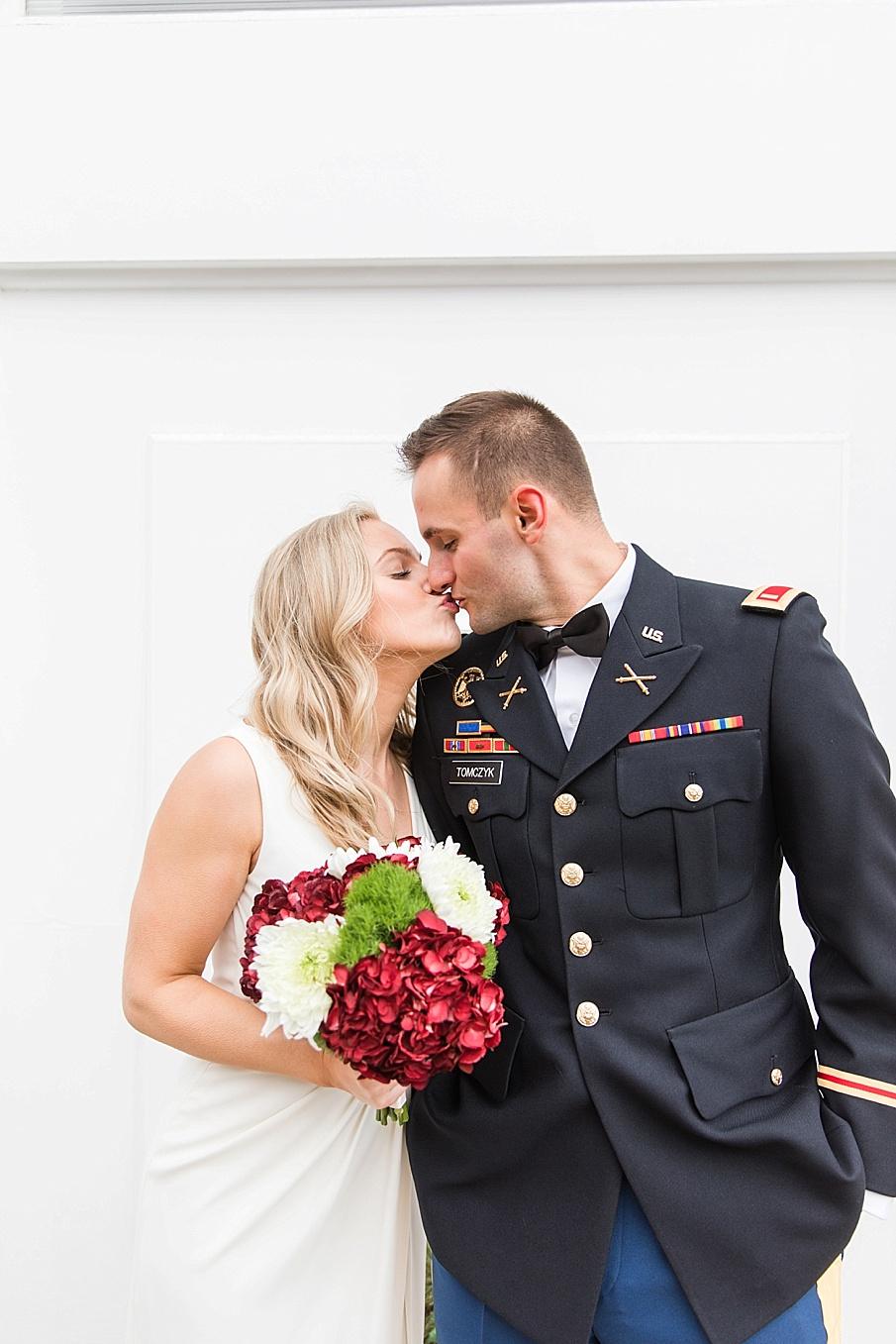 senecaryanco-pennsylvania-wedding-photographer-scranton-barnatglisteningpond_0115.jpg