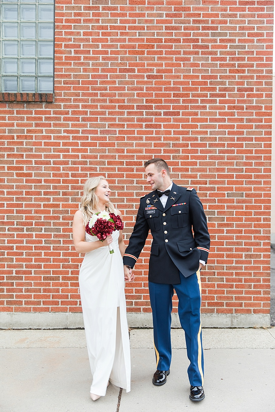 senecaryanco-pennsylvania-wedding-photographer-scranton-barnatglisteningpond_0124.jpg