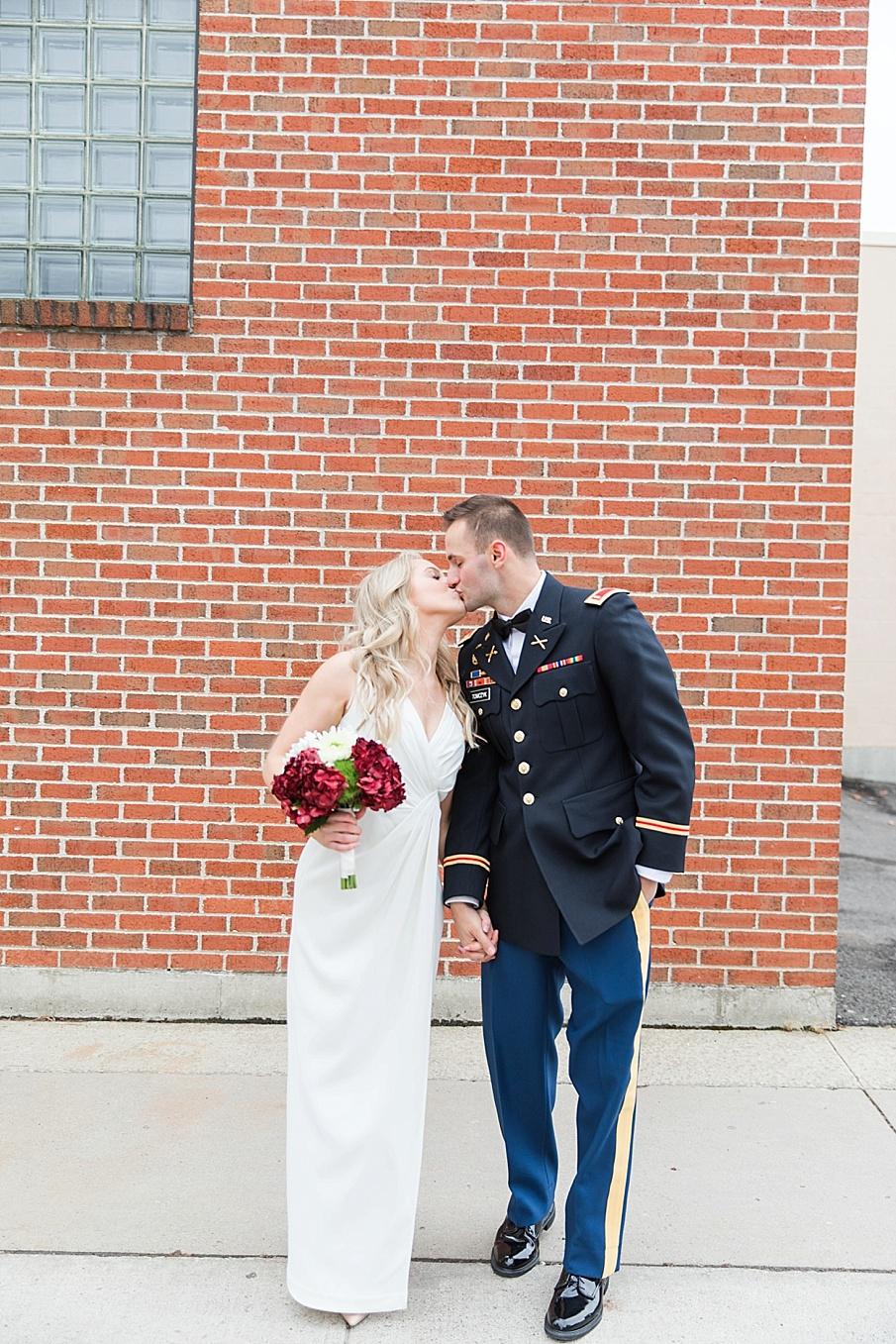 senecaryanco-pennsylvania-wedding-photographer-scranton-barnatglisteningpond_0125.jpg