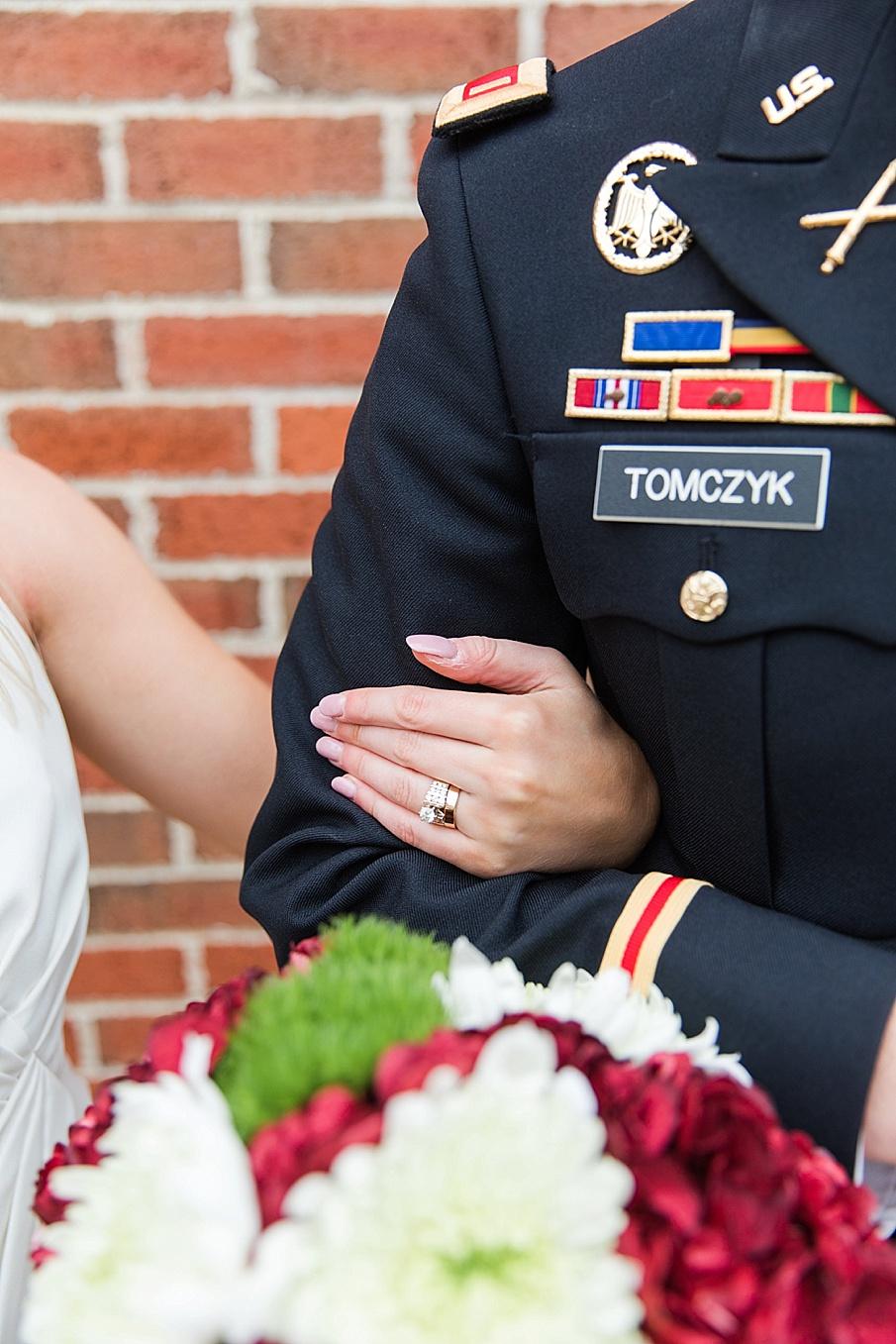 senecaryanco-pennsylvania-wedding-photographer-scranton-barnatglisteningpond_0126.jpg