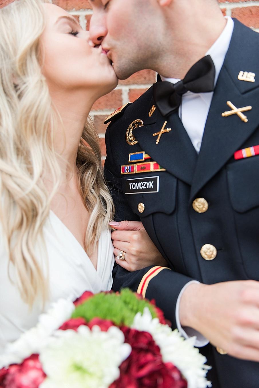 senecaryanco-pennsylvania-wedding-photographer-scranton-barnatglisteningpond_0127.jpg