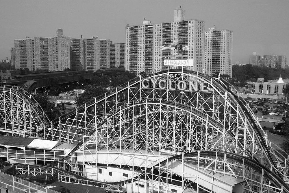 Cyclone+Rollercoaster.jpg