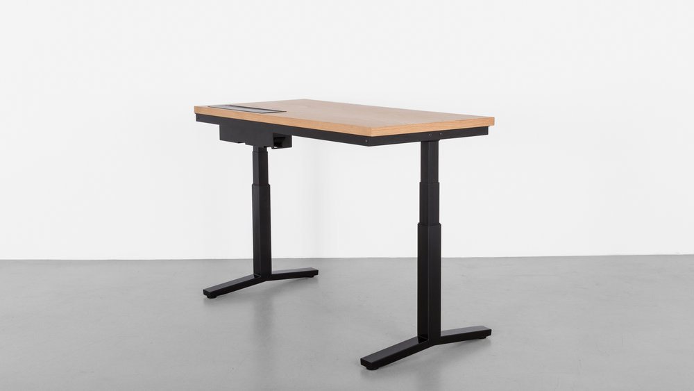 Minim_Rise_Desk_Oak_04.jpg